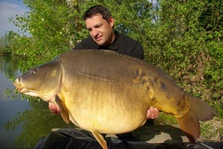 giant mirror carp fishing france