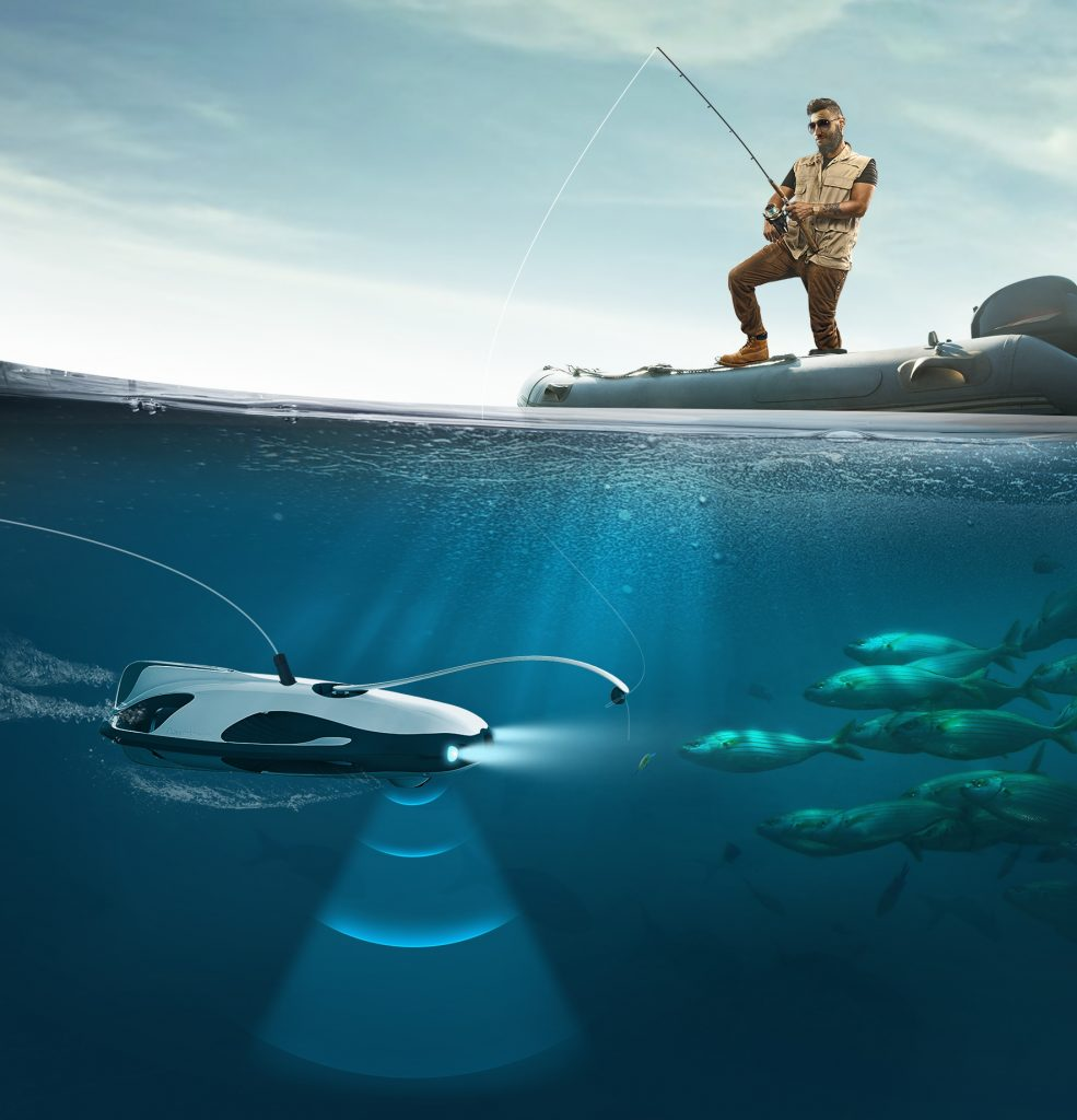 boat fishing with powerray fishfinder underwater drone
