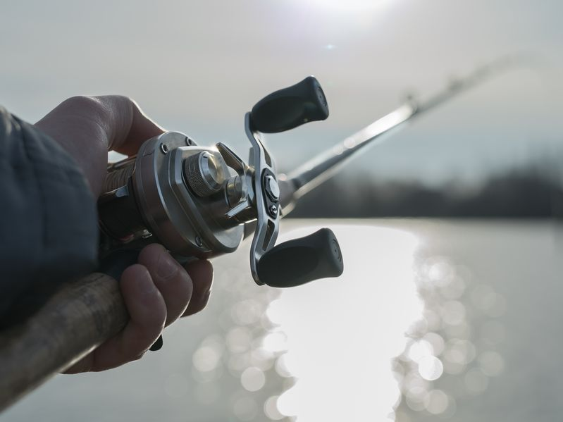 angler-finesse-fishing-bass-with-baitcasting-rod-and-reel